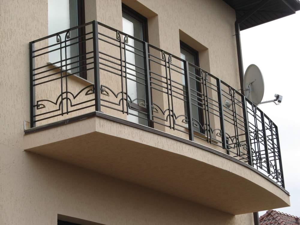 Кованое балконное ограждение геометрия